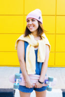 ТОКИО, вязаная двухслойная шапка розового цвета на молодой девушке. Шапка как у Монатика, Кусто. Beanie hat. Watch cap. Морячка