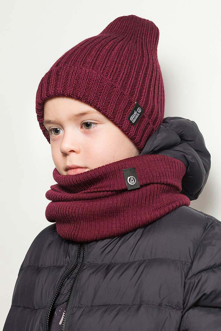 """Вязаная шапка тыковка и снуд на ребенке. Коллекция """"Камчатка"""". цвет бордовый"""